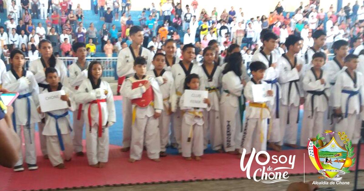 Estudiantes de Taekwondo de Chone sobresalieron en campeonato