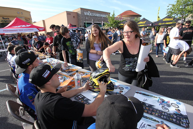 Autograph Signing Hangtown 2016