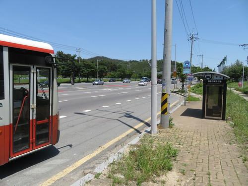 釜山慶南競馬場近くのバス停