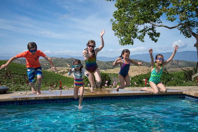 Pool fun, Nikon D600, AF-S VR Zoom-Nikkor 24-85mm f/3.5-4.5G IF-ED
