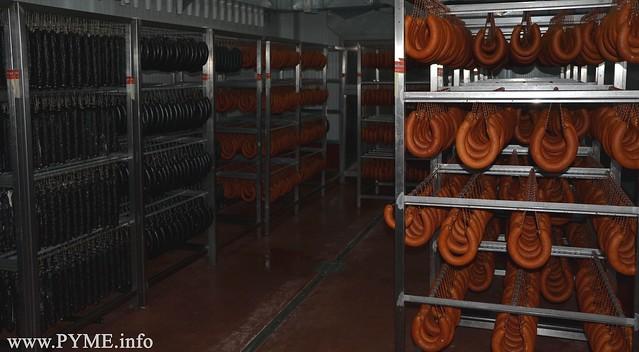 Sala de curación en la fábrica situado en el Polígono El Montalvo II