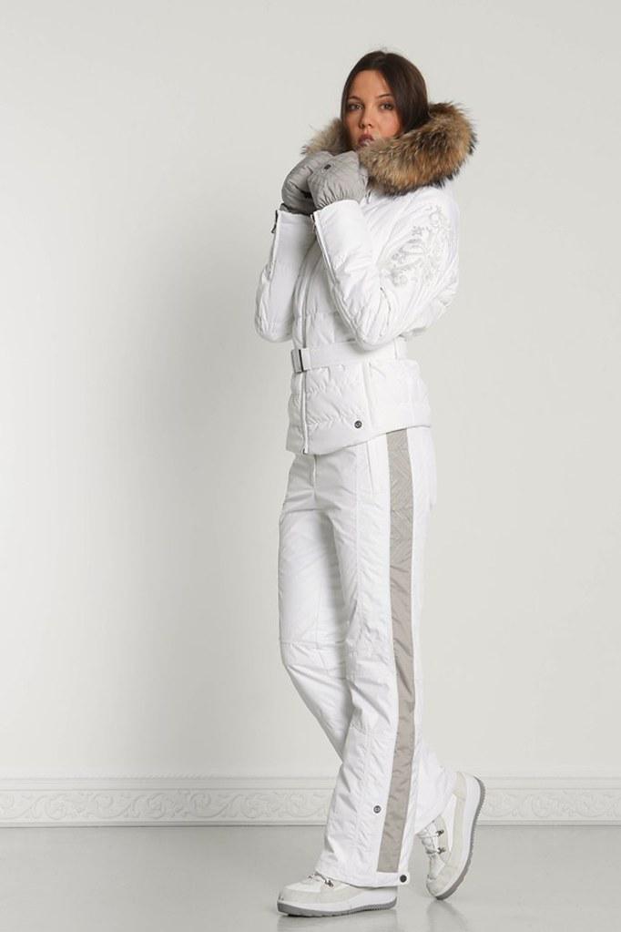 8baad120bd ... Women s White Belted POIVRE BLANC Ski Jacket w. Faux Fur Collar   Light  Gainsborough Grey