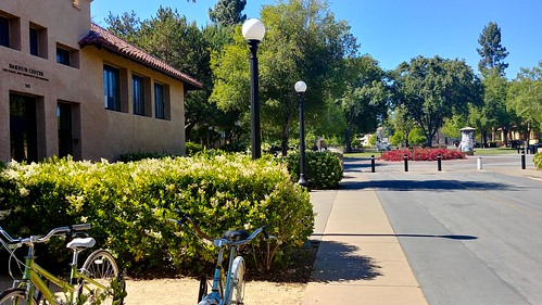 Commuting from Palo Alto Station to Stanford