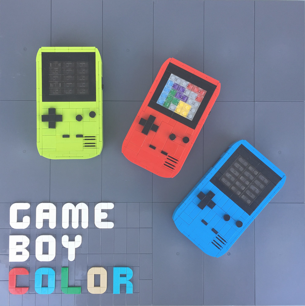 Game Boy Color (custom built Lego model)