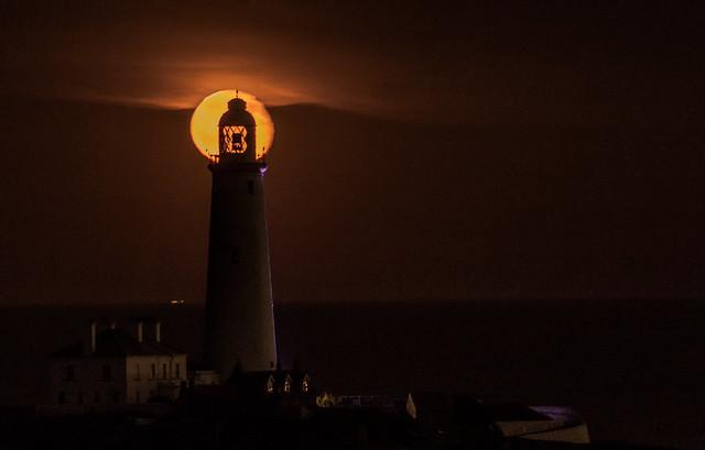 St Marys Moon Rising, Nikon D3200, Sigma 70-300mm F4-5.6 APO DG Macro HSM