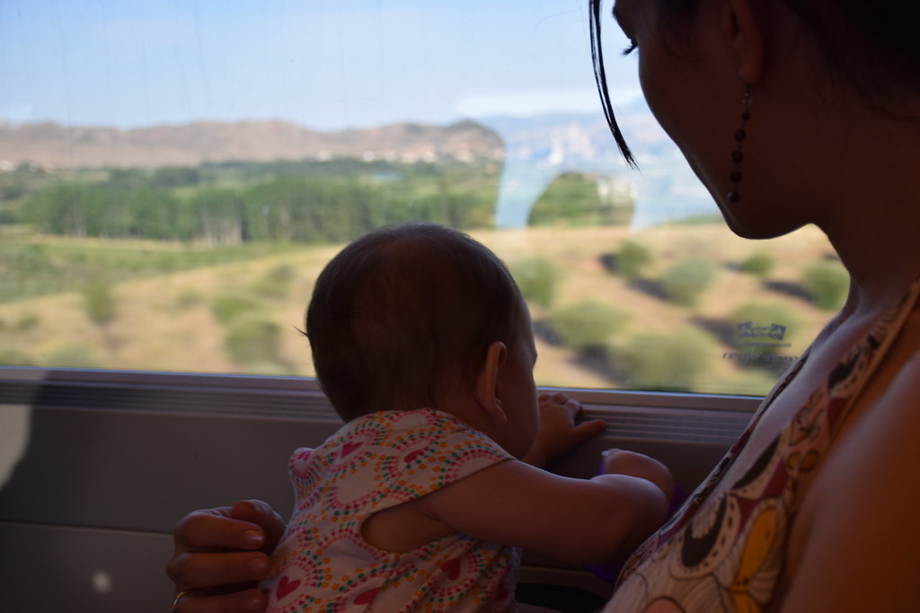 Viajando en tren con Eva.