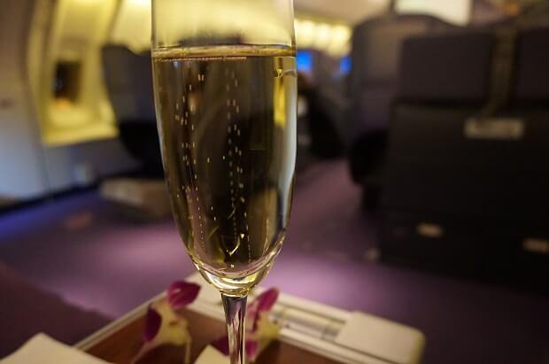 170505 タイ航空ボーイング747ビジネスクラスウェルカムシャンパン