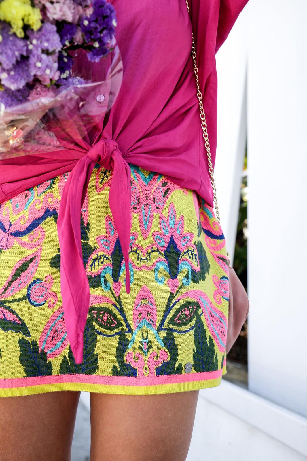 09_blusa_magenta_falda_amarilla_outfit_ruga_summer17_theguestgirl_influencer_barcelona_portugal_brand_ambassador