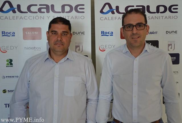 Pedro y Juan Manuel Alcalde, gerentes de Calefacciones Alcalde, Premio a la Excelencia y al Desarrollo Empresarial de CONFAES 2017.