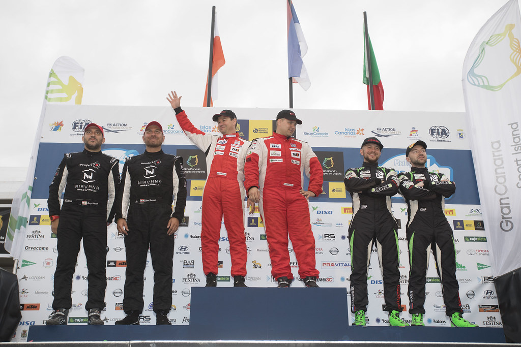 ERDI junior Tibor (HUN), GYORGY Papp (HUN), Mitsubishi lancer evo X, BANNOUT Gilbert (LBN), MAROUN Rony (LBN), Mitsubishi lancer evo X, REMENNIK Sergei(RUS), ROZIN Mark (RUS), Mitsubishi lancer EVO X , ambiance portrait podium, during the 2017 European Rally Championship ERC Rally Islas Canarias, El Corte Inglés,  from May 4 to 6, at Las Palmas, Spain - Photo Gregory Lenormand / DPPI