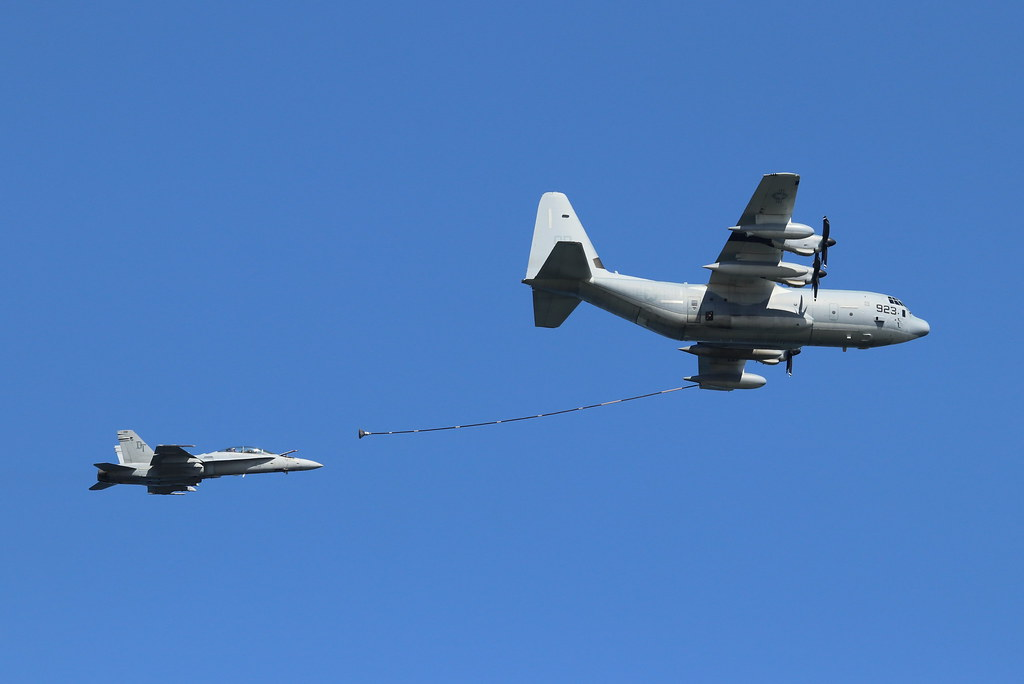 Air refueling demonstration