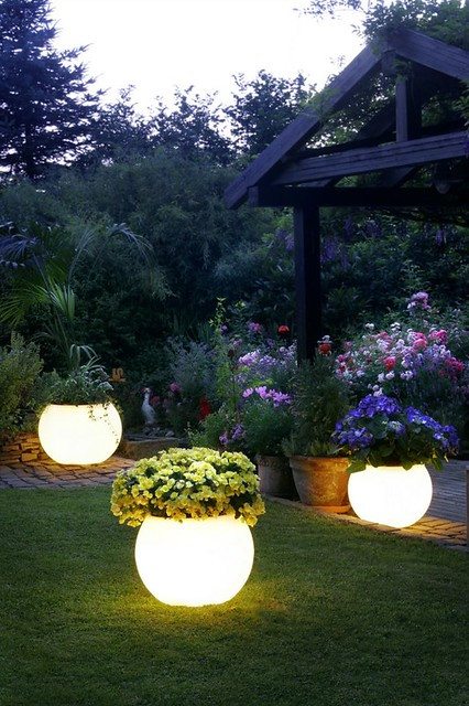 Solar Powered Pots That Will Brighten Up Your Garden
