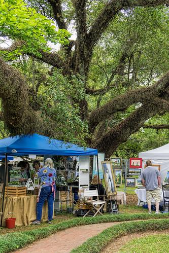 melroeplantation artsandcraftsfestival nationalhistoriclandmark oaks