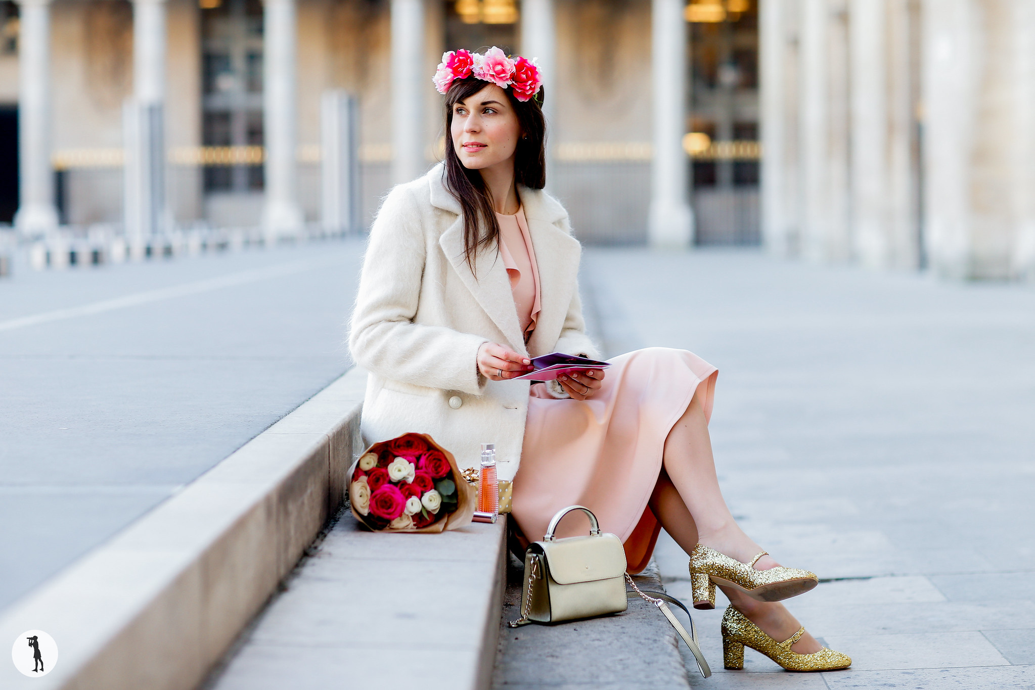 Street style Photo shooting with french bloggers in Paris. Blogueuse Mode and the City
