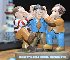 SEE NO EVIL, HEAR NO EVIL, SPEAK NO EVIL (THE THREE STOOGES)