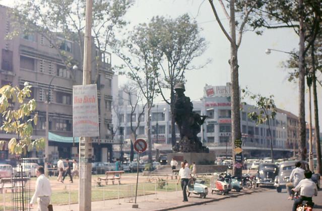 Saigon 1969 by Rachelle Smith - Lam Son Square