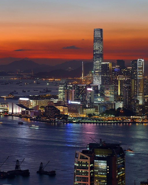 Hong Kong#sunset #hongkong #skylineview #skyline #skyscrapercity #sunset🌅 #icc #cbd #china #skyscraper #cityview #cityscape #cityskyline #citynights #city #nightphotography #夜景 #内透 #摩天大楼 #城市天际线 #香港 #夕阳 #日落 #highview #skylines