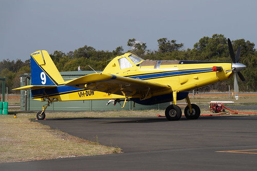 VH-DUW / BOMBER 609 Air Tractor AT-802A
