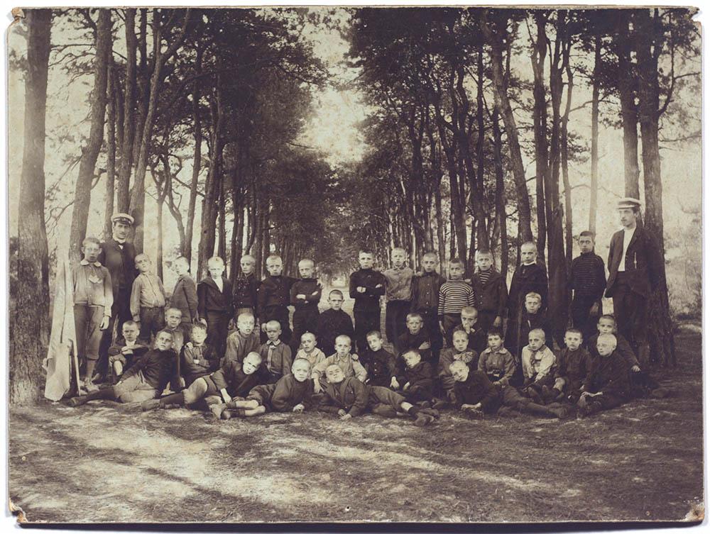 Openluchtschool van Diesterweg's Hulpkas, 1906 | Open-air school from Diesterweg's Hulpkas, 1906