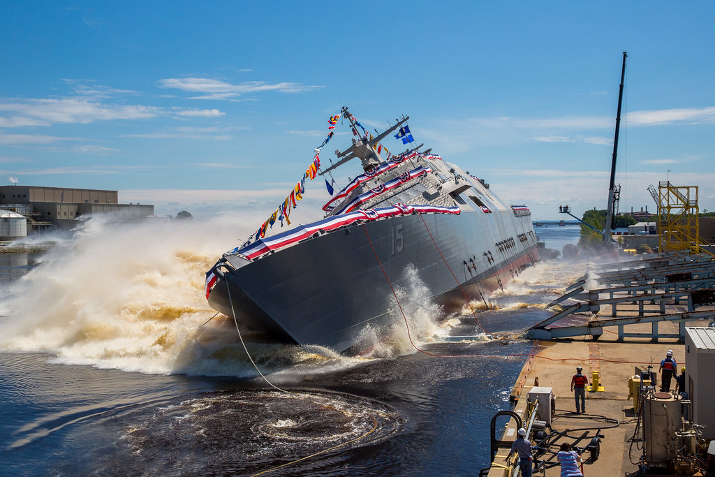 LCS 15 Splashdown.jpg
