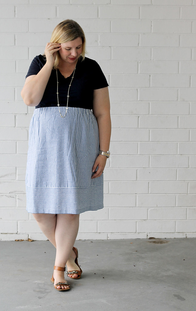 seersucker midi skirt and navy tee 1