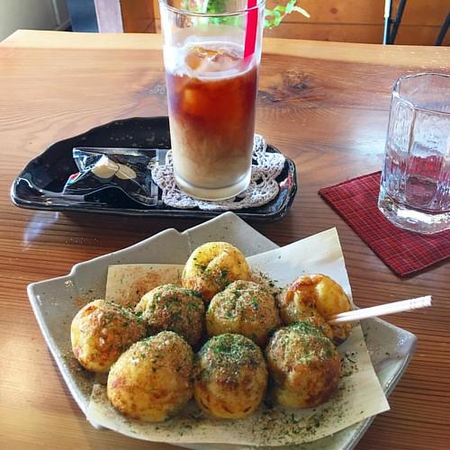津島神社前の喫茶店入ったらタコ焼きメイン?塩タコ焼きいただきましたん #tacoyaki #coffee #japanese #cafe