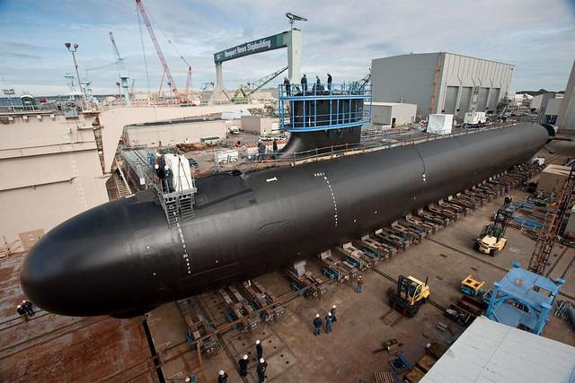 Κόσμος του πολεμικού σκάφους που χρονολογείται στο UK