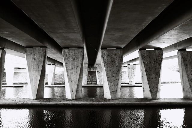 Under the bridge... پُل تلے