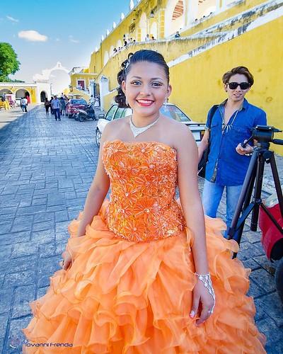 Ragazza fotografata ad Izamal la città gialle nello Yucatàn #Messico #mexico