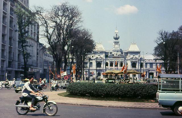 Saigon 1969 by Rachelle Smith - City Hall - Tòa Đô Chánh