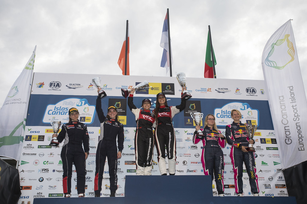 FALCON  RODRIGUEZ Emma (ESP),  FERNANDES PALAZUELOS Sara (ESP), CITROEN DS3 R3 , MUNNINGS Catie (GBR) STEIN Anne Katharina (DEU) Peugeot 208 R2 , MOLINARO Tamara (ITA), MAYRHOFFER Ursula (AUT) Opel Adam R2, ambiance portrait podium, during the 2017 European Rally Championship ERC Rally Islas Canarias, El Corte Inglés,  from May 4 to 6, at Las Palmas, Spain - Photo Gregory Lenormand / DPPI