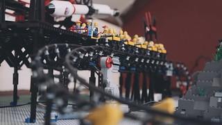 已跪!! 超過兩萬個零件,耗費四百小時 荷蘭樂高團隊「Hoezer2」打造「全自動樂高雲霄飛車」!!