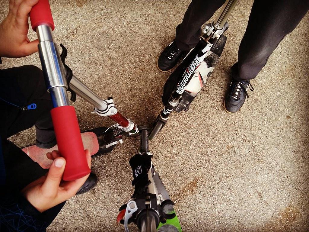 Hoy cambiamos el coche por el patinete. #movilidad #eco #Coruña #photography #mobilephoto