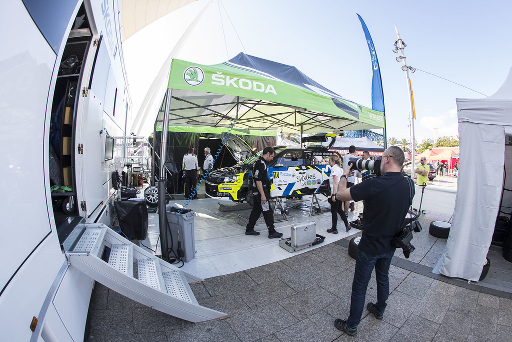 MICHEL Sylvain (FRA), DEGOUT Jerome (FRA), Skoda Fabia R5, , ambiance portrait during the 2017 European Rally Championship ERC Rally Islas Canarias, El Corte Inglés,  from May 4 to 6, at Las Palmas, Spain - Photo Gregory Lenormand / DPPI