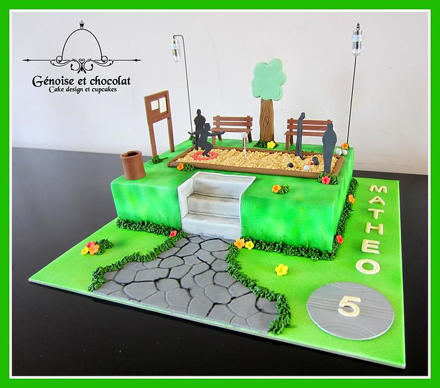Bowling Cake by Delphine Charles-Bernaud of Génoise et chocolat