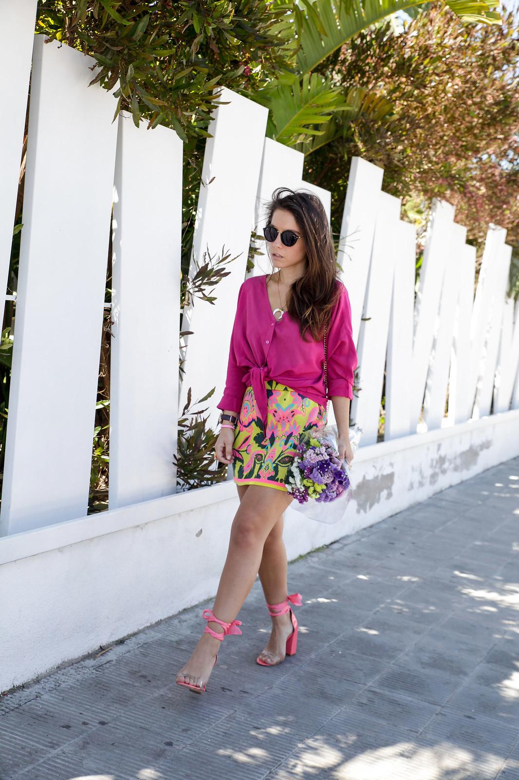 05_blusa_magenta_falda_amarilla_outfit_ruga_summer17_theguestgirl_influencer_barcelona_portugal_brand_ambassador