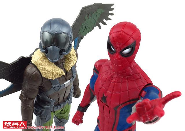 巨大尺寸 × 豪華音效!啟動你的想像力與超能力吧!《蜘蛛人:返校日》12吋電子聲效人物玩具 開箱報告