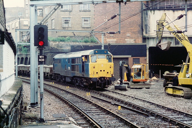19860705 022 Farringdon. 31431 (D5681, 31253, 31531) With An Engineers' Train