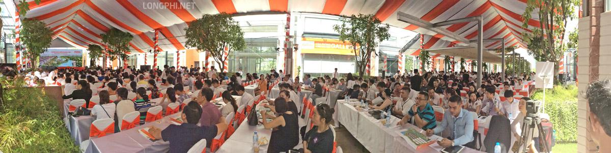 Hàng trăm khách hàng đến tham dự sự kiện mở bán dự án Lavila Kiến Á giai đoạn 2.