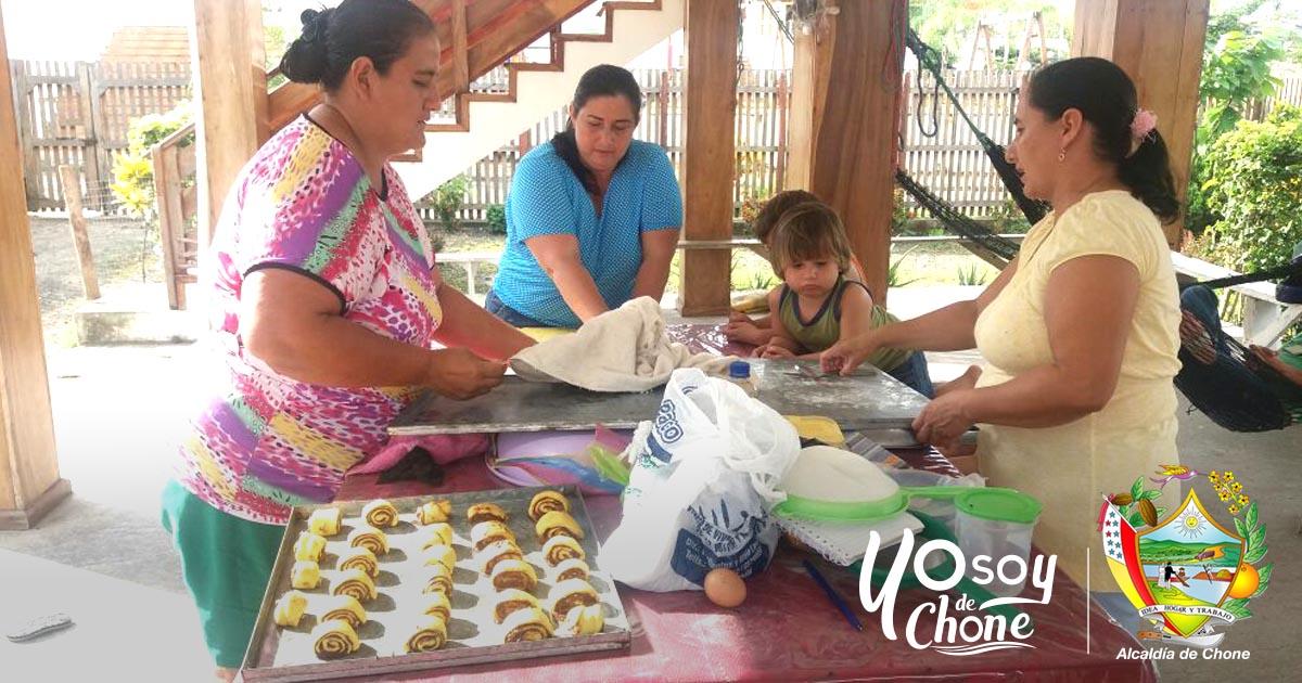 Alcaldía de Chone realiza capacitaciones a agricultores
