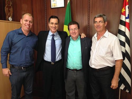 Prefeito de Santa Lucia, Luiz Antonio Noli; Vice-Prefeito José Roberto e Coordenador de Desenvolvimento Econômico, Matheus Lima - Assuntos relacionados a Lei Paulista de Incentivo ao Esporte e solicitação de kit esportivo.