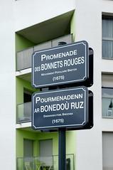 Panneau de rue en français et breton