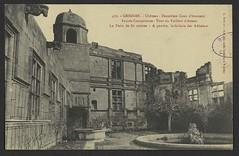Grignan. - Château - Deuxième Cour d'honneur