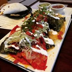 chili & cheese nachos