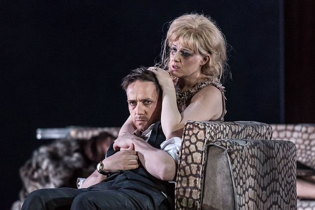 Iestyn Davies and Sally Matthews in The Exterminating Angel (C) ROH 2017. Photograph by Clive Barda