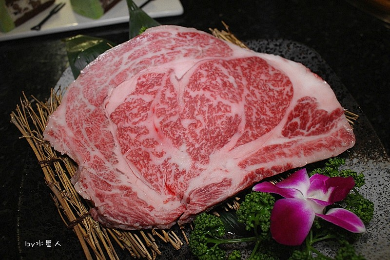 33763554874 ede65fc426 b - 熱血採訪 | 朧月炭火燒肉酒館,台中燒肉界的深夜食堂,有M9澳洲和牛、盤克夏豬、伊比利豬!