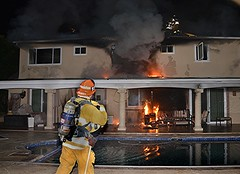 LAFD Quickly Extinguishes Encino House Fire