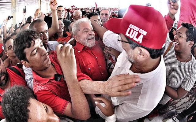 Curitiba recebe jornada contra reformas de Temer e em solidariedade a Lula