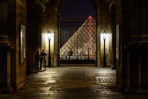 Louvre Gossip, Paris, 2015
