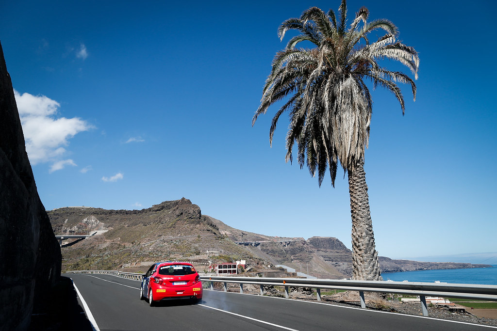 36 MUNNINGS Catie (GBR) STEIN Anne Katharina (DEU) Peugeot 208 R2 Action during the 2017 European Rally Championship ERC Rally Islas Canarias, El Corte Inglés,  from May 4 to 6, at Las Palmas, Spain - Photo Alexandre Guillaumot / DPPI